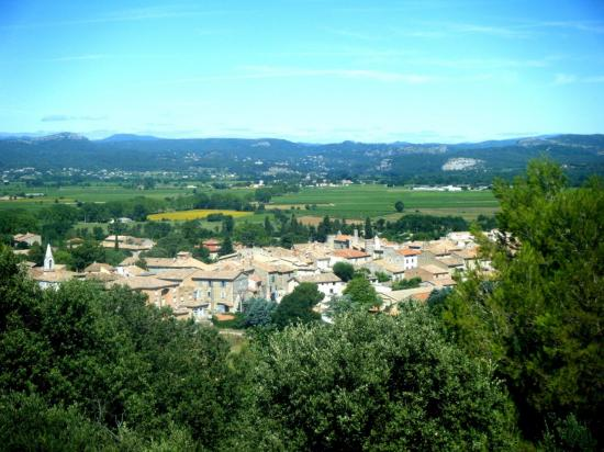 Point de vue du village de Lézan