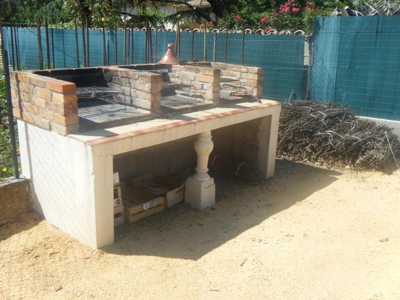 Barbecues aux gîtes à lézan dans le gard aux portes d'anduze