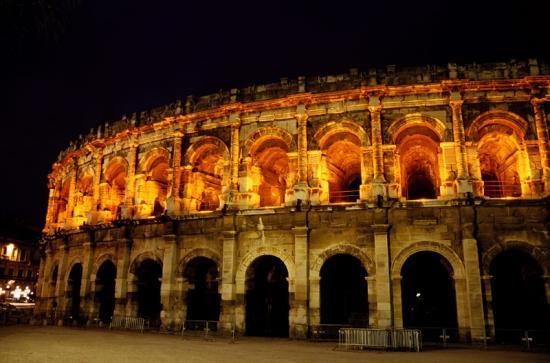 Illuminations des arènes de Nîmes