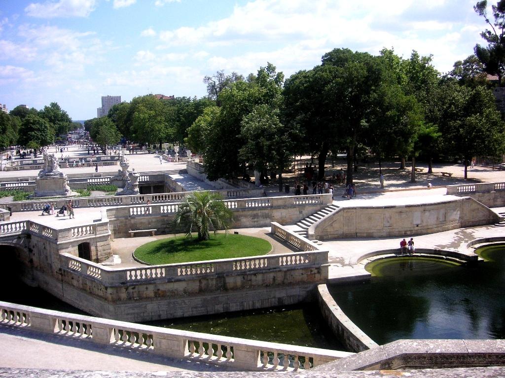 Les jardins de la fontaine de Nîmes