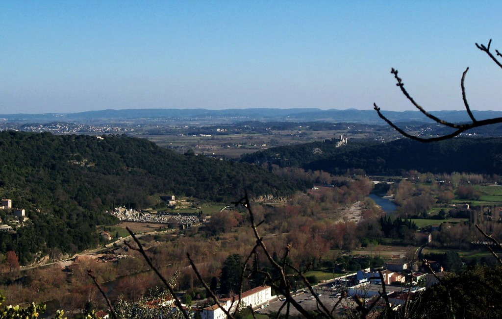 Vue du chateau de Tornac du rocher  d'Anduze