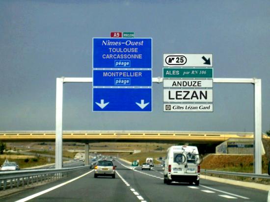 Pour venir à Lézan